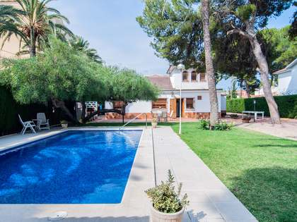 246m² House / Villa with 1,970m² terrace for sale in Playa San Juan