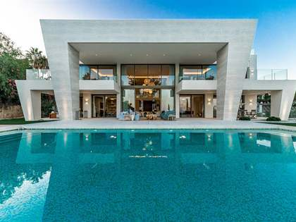 Villa de 1.072 m² en venta en Sierra Blanca