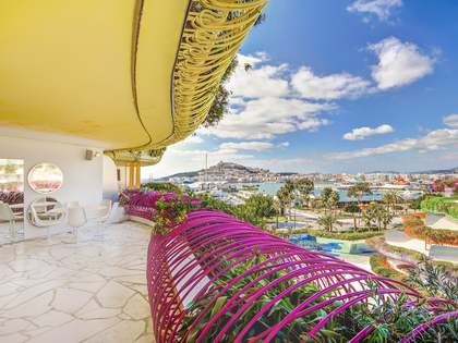 Renovated 3-bedroom apartment for sale in Marina Botafoch, Ibiza