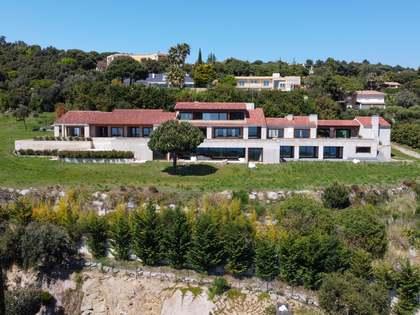 Casa / Villa de 4,000m² con 9,000m² de jardín en venta en Sant Andreu de Llavaneres