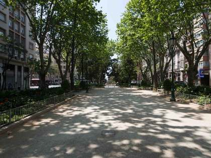 Penthouse to renovate in Gran Via, Valencia