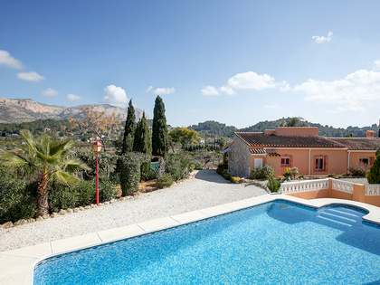 460m² House / Villa with 5,660m² garden for sale in Dénia
