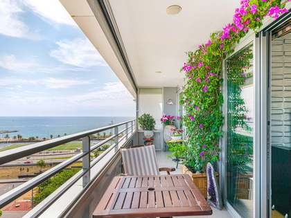 100m² Apartment with 12m² terrace for sale in Poblenou