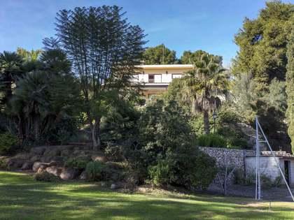 Villa de 464 m² en venta en Godella / Rocafort