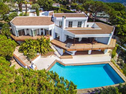535m² villa for sale in Alella, Maresme