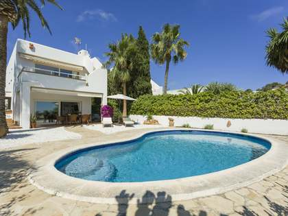 140m² House / Villa with 27m² terrace for sale in Ibiza Town