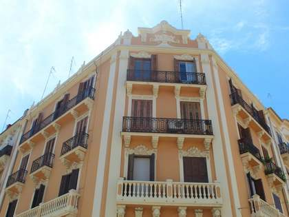 100 m² apartment for sale in Extramurs, Valencia