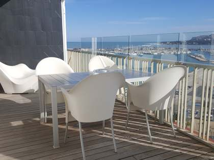 300 m² penthouse with 30 m² terrace for rent in Denia