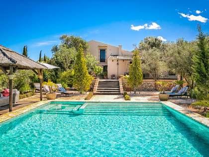 Casa / Villa di 370m² con giardino di 21,000m² in vendita a Dénia