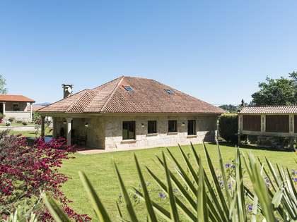 400m² House / Villa for sale in Pontevedra, Galicia
