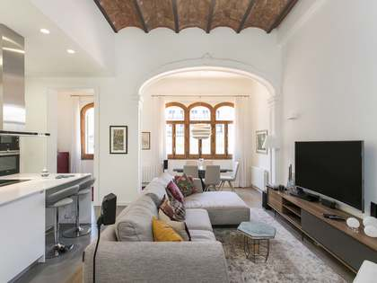 Fully-renovated apartment for sale on Calle Casp, Barcelona