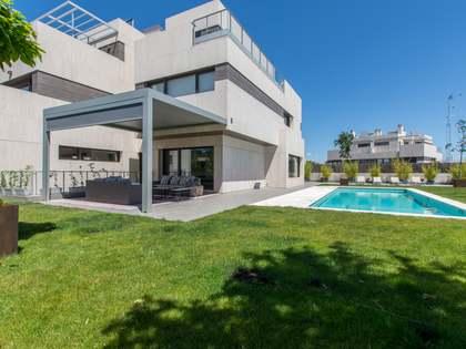 600m² Haus / Villa zum Verkauf in Aravaca, Madrid