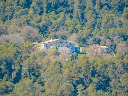 2,440m² Country house for sale in Pla de l'Estany, Girona