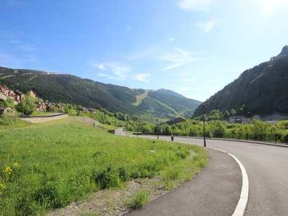 400 m² plot for sale in Grandvalira Ski area, Andorra