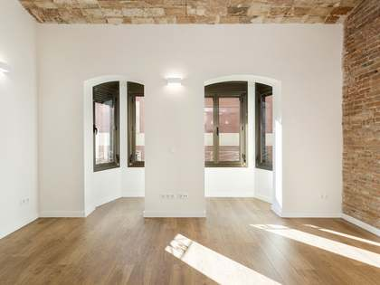 62m² Apartment for sale in Sant Antoni, Barcelona