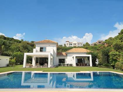 391m² House / Villa for sale in Benahavís, Costa del Sol
