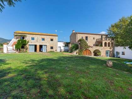 Landhuis van 1,521m² te koop in Alt Emporda, Girona
