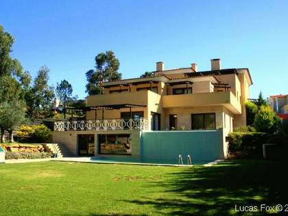 Villa to buy in Quinta Patino golf resort close to Cascais