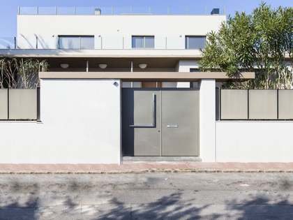 Newly built villa to buy in Sitges near international school