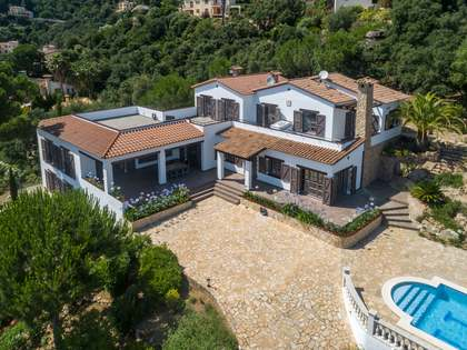 583m² House / Villa with 2,650m² garden for sale in Platja d'Aro