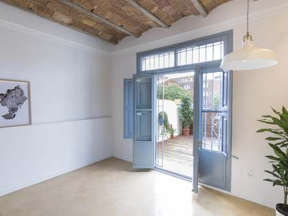 Квартира 93m², 14m² террасa на продажу в Раваль