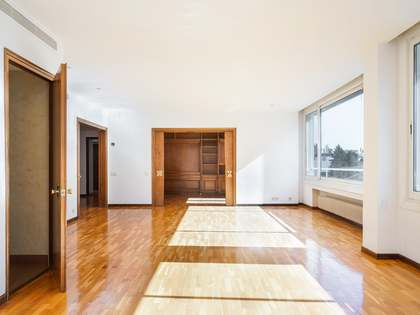 200m² Apartment for sale in Sant Gervasi - Galvany