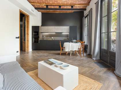 92m² Apartment with 8m² terrace for sale in Eixample Right