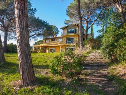 9-bedroom property to renovate in Sant Andreu de Llavaneres