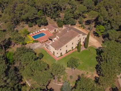 556m² Hästgård till salu i Santa Cristina, Costa Brava