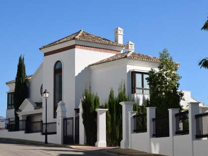 4-bedroom villa to buy in Benahavis Hills Country Club
