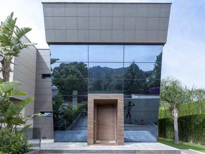 Casa / Villa di 553m² in vendita a Los Monasterios