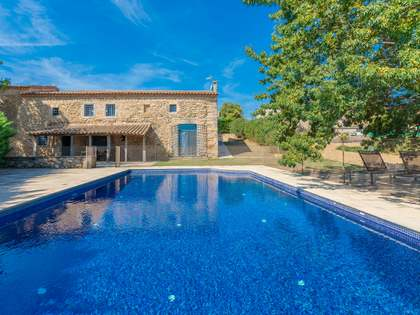 768m² Country house for sale in Pla de l'Estany, Girona