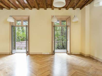 Apartment to renovate for sale on Paseo de Gracia