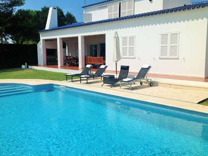 277 m² villa with 869 m² garden for sale in Menorca