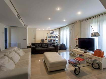 Penthouse with terrace for sale in City of Sciences