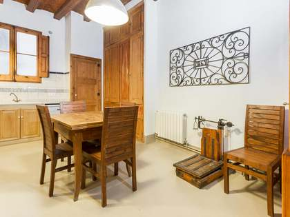 4-bedroom apartment to rent on Calle de la Ciutat, Barcelona