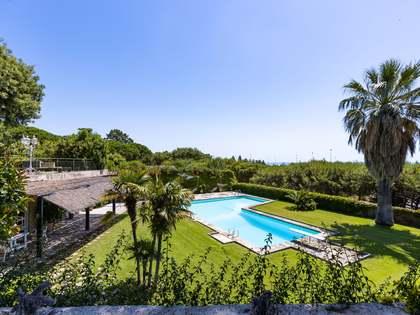 Huis / Villa van 450m² te koop met 3,500m² Tuin in Sant Andreu de Llavaneres