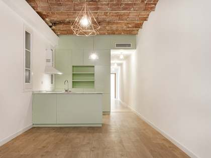 2 bedroom renovated apartment for sale in Eixample Left
