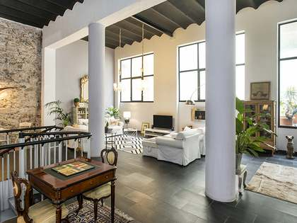 Stunning renovated property for sale in Poblenou