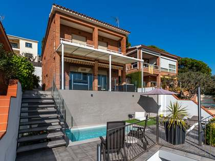 Casa / Vil·la de 239m² en venda a Premià de Dalt, Barcelona