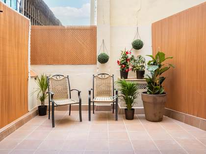 70m² Apartment with 13m² terrace for sale in Eixample Left