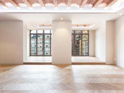 Newly renovated apartment for sale Close to Plaza Urquinaona