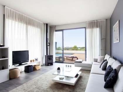 Casa / Vil·la de 494m² en venda a Levantina, Sitges