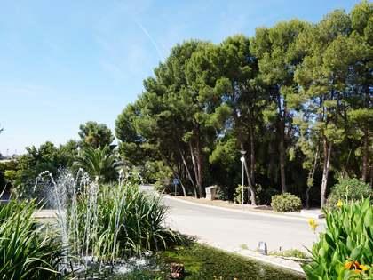 Perceel van 1,000m² te koop in Los Monasterios, Valencia