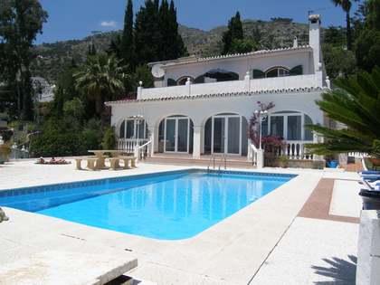 Maison / Villa de 230m² a vendre à Mijas avec 1,000m² terrasse