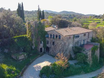 2,187m² Country house for sale in El Gironés, Girona