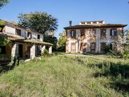 Дом / Вилла 500m², 47,500m² Сад на продажу в Dénia