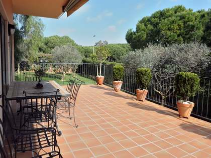 Appartement van 106m² te koop met 300m² Tuin in Gavà Mar