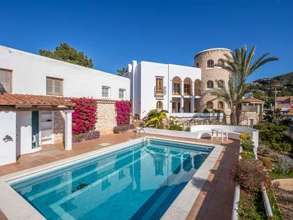 795 m² house with 1,005 m² garden for sale in Ibiza Town