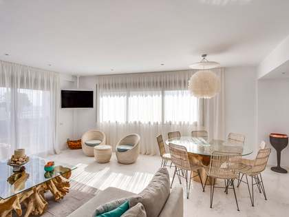 169 m² apartment with 11 m² terrace for sale in Ibiza Town
